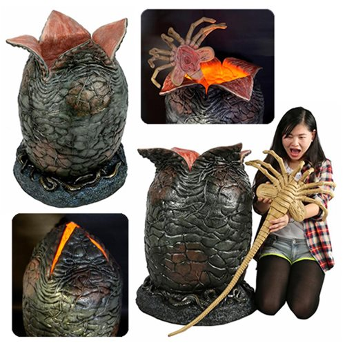 Alien Light-Up Egg and Facehugger Life-Size Prop Replica